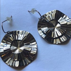 NWOT silver colored disc earrings